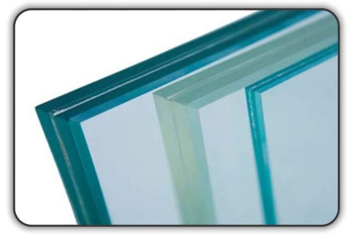 Triplo vetro stratificato